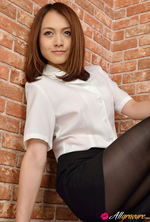 nude-asian-office-girls