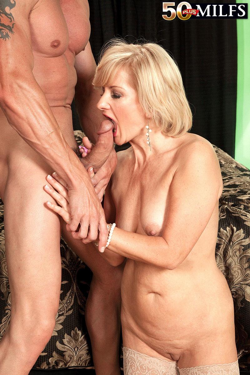 Mature oral sex women