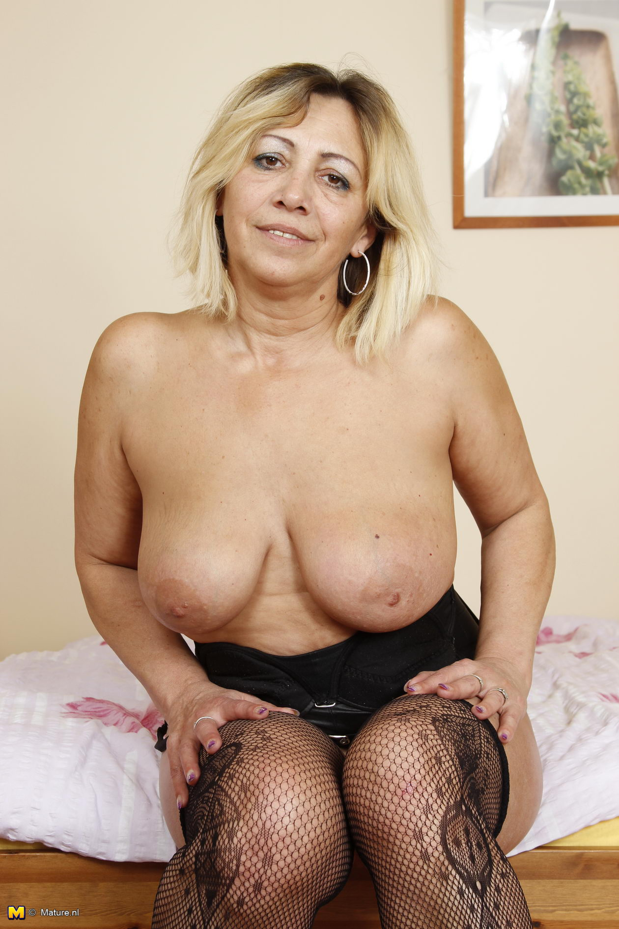 Art erotic figure older woman