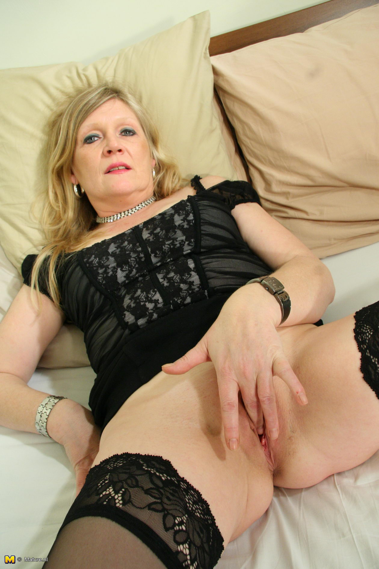 Model free pussy mature over 40