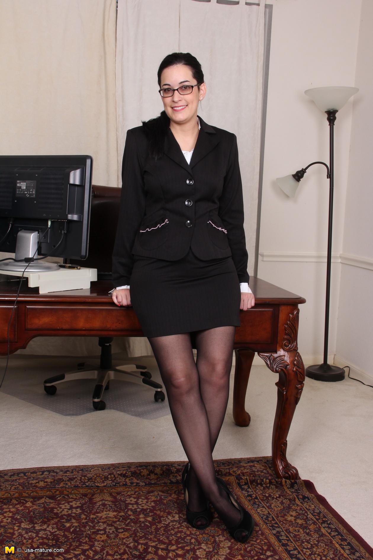 Mature office pantyhose sex