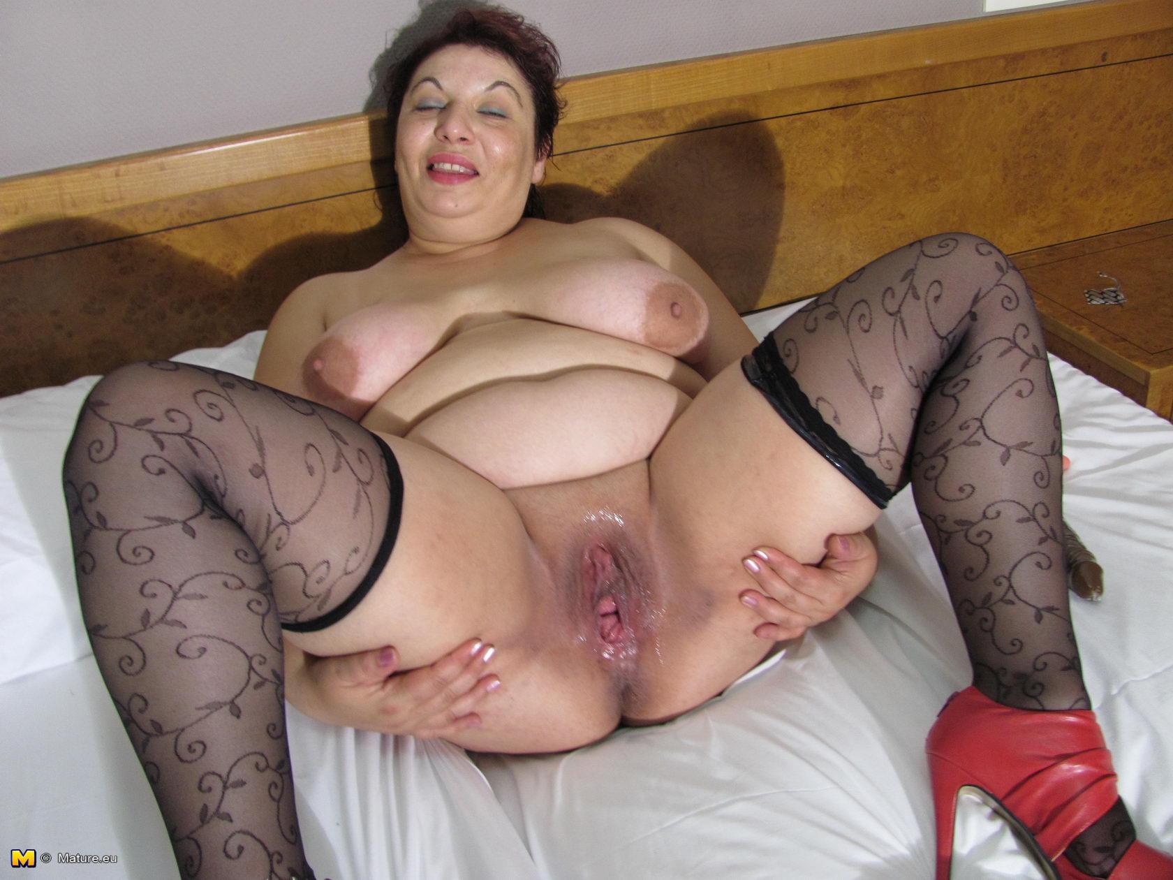 Порно в попу старых и толстых дам