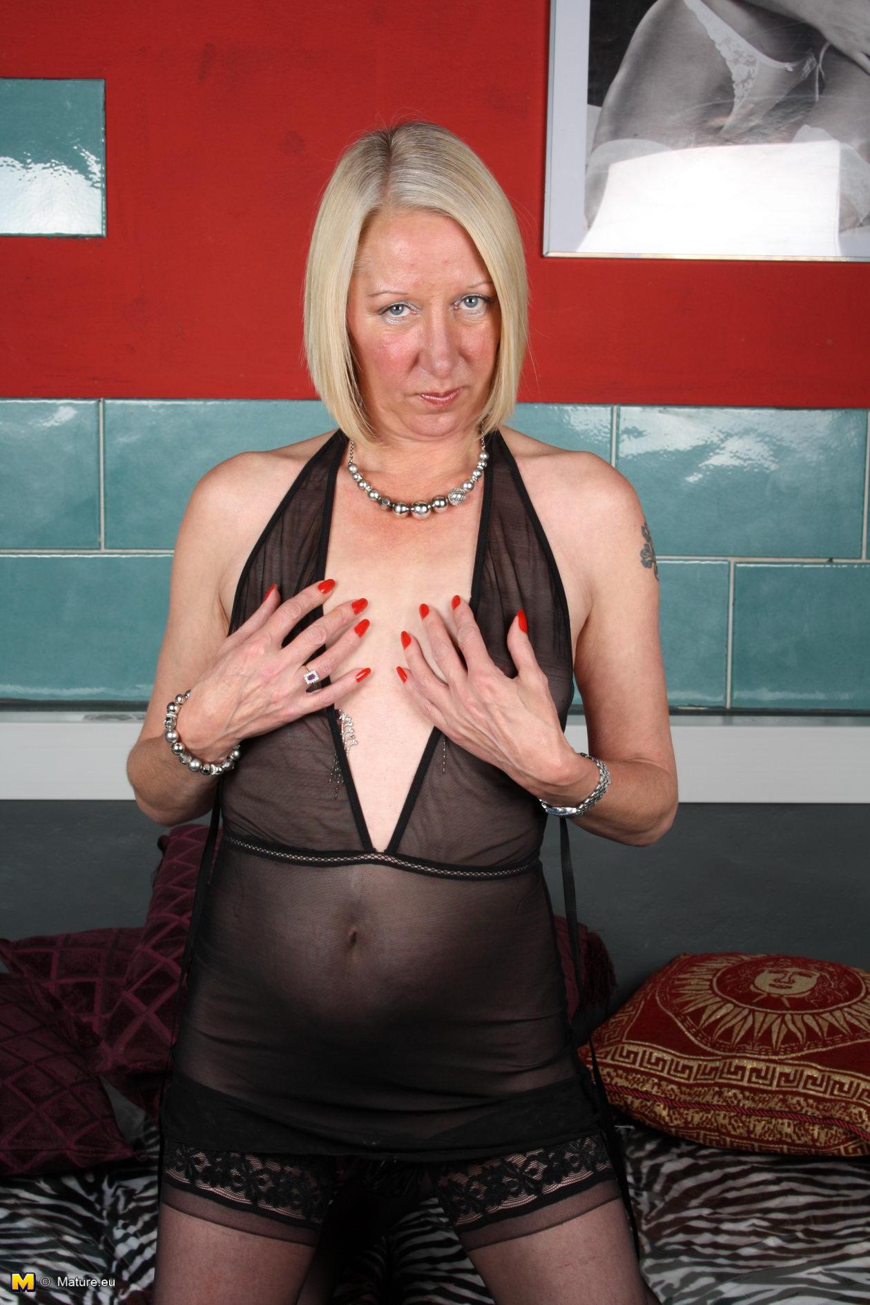 Portraits of nude mature women