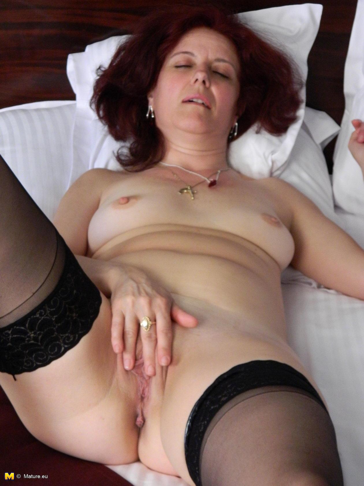 Missy in nude