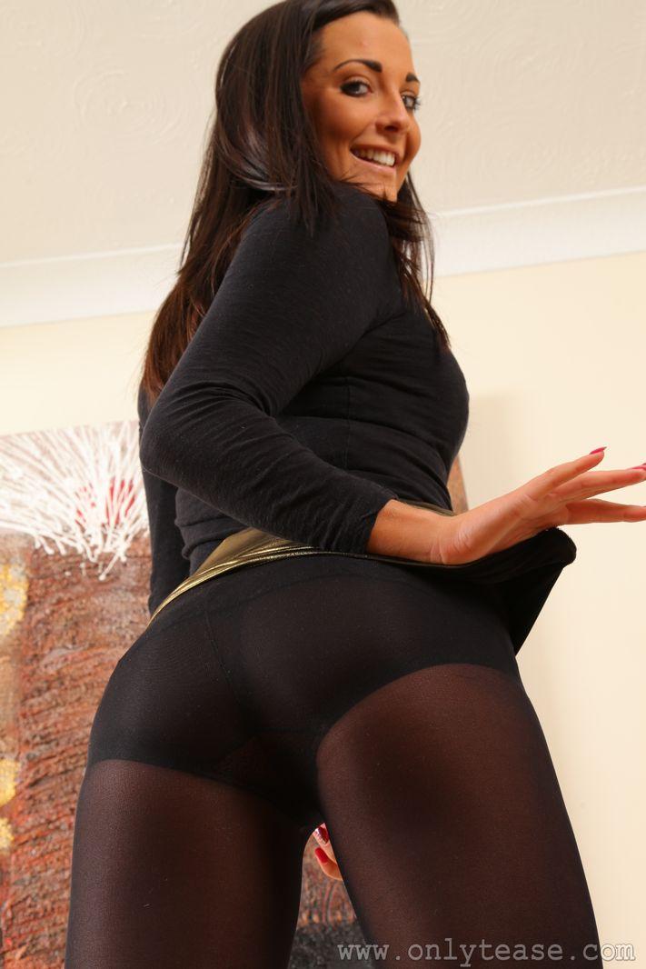 gold-porn-pantyhose-mature-ladies